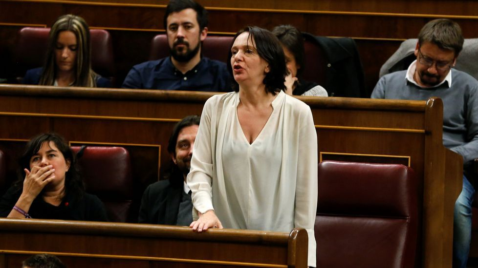 Bescansa reitera las disculpas del partido «a Carvajal y a todos los periodistas».Carolina Bescansa con su bebé el día en que se constituyó el Congreso