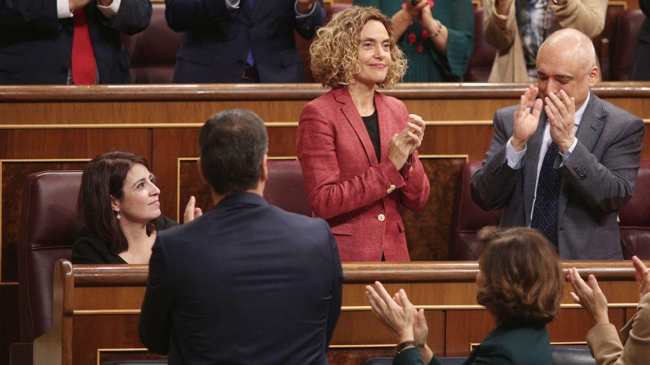 La socialista Meritxell Batet  es aplaudida por sus compañeros tras ser nombrada presidenta del Congreso