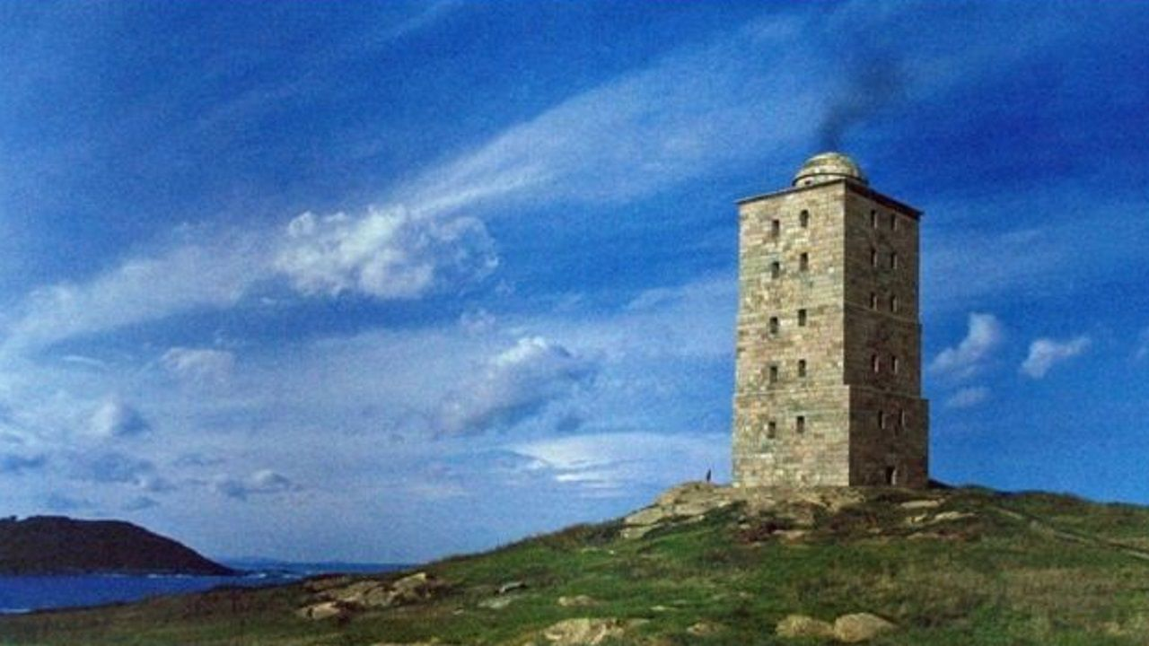 Recreacion de la torre de Hércules en época romana