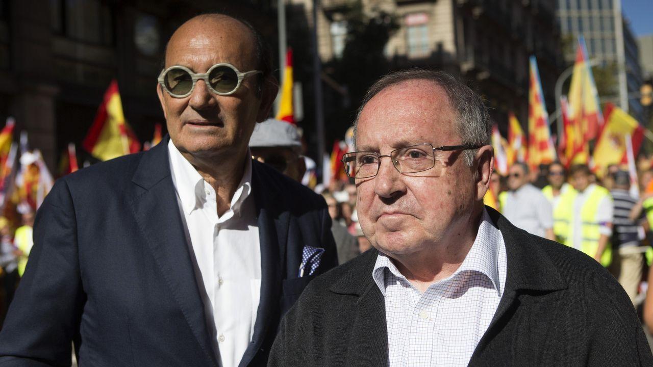 La nueva directora de Peinador se propone recuperar el vuelo a París y abrir rutas con Alemania.El presidente de Freixenet, José Luis Bonet (derecha), en la manifestación de Barcelona.