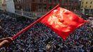 Decenas de miles de personas bloquearon este miércoles el centro de Rangún