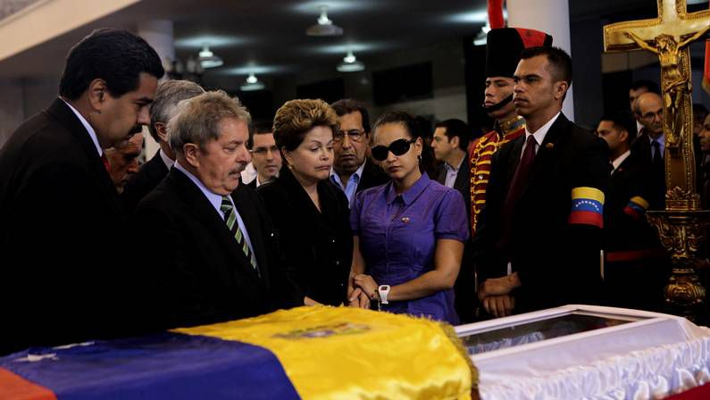 gRAFICO PORTADA H.Maduro, Lula da Silva, Dilma Rousseff y una hija de Chávez