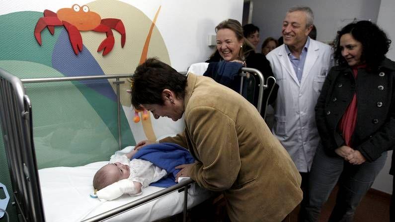 Visita de la conselleira de Sanidade a las nuevas instalaciones de Pediatría
