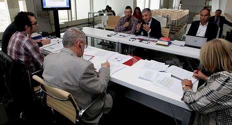 O secretario xeral explicou aos membros do comité de expertos as actuacións do período do 2008 ao 2011.