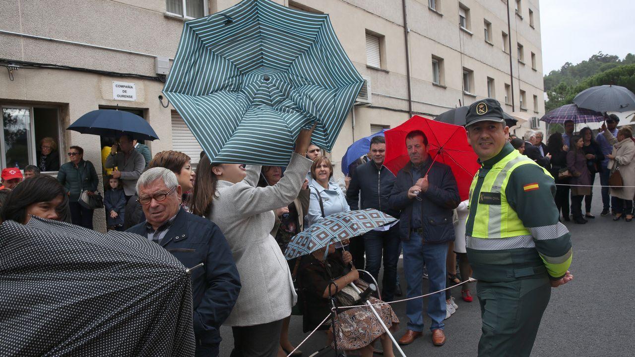 ACTO INSTITUCIONAL CASTRENSE DEL DÍA DEL PILAR.Numeroso público acudió a la Comandancia, a pesar de que el día estuvo algo desapacible
