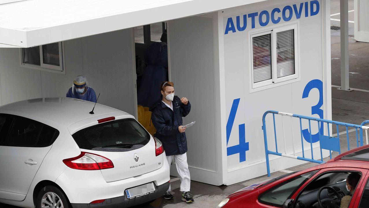 Retiran la ballena varada en Tapia.El autocovid instalado en el Hospital Universitario Central de Asturias (HUCA)