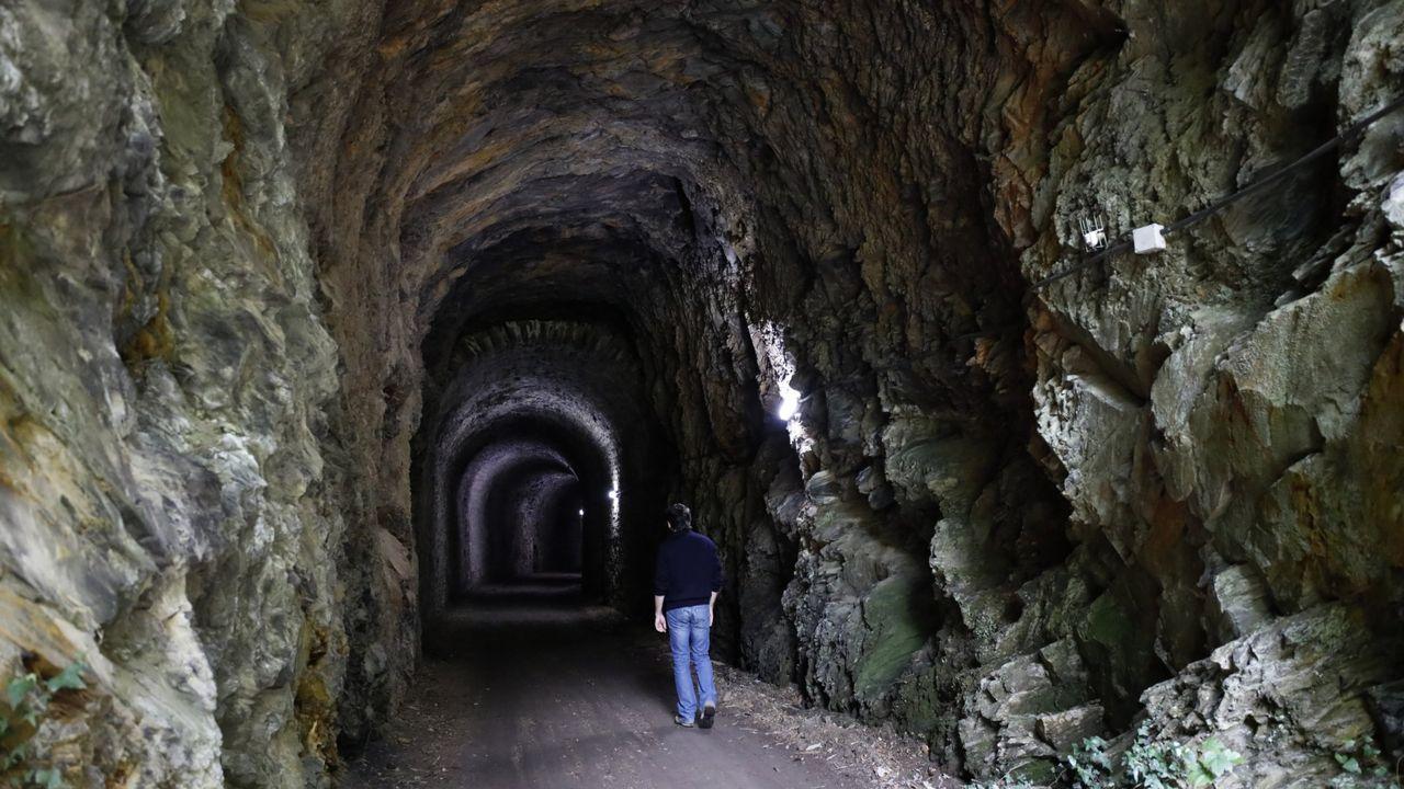 La única Vía Vede de Galicia está en A Pontenova también llamada ruta minera y discurre en parte por túneles y puentes