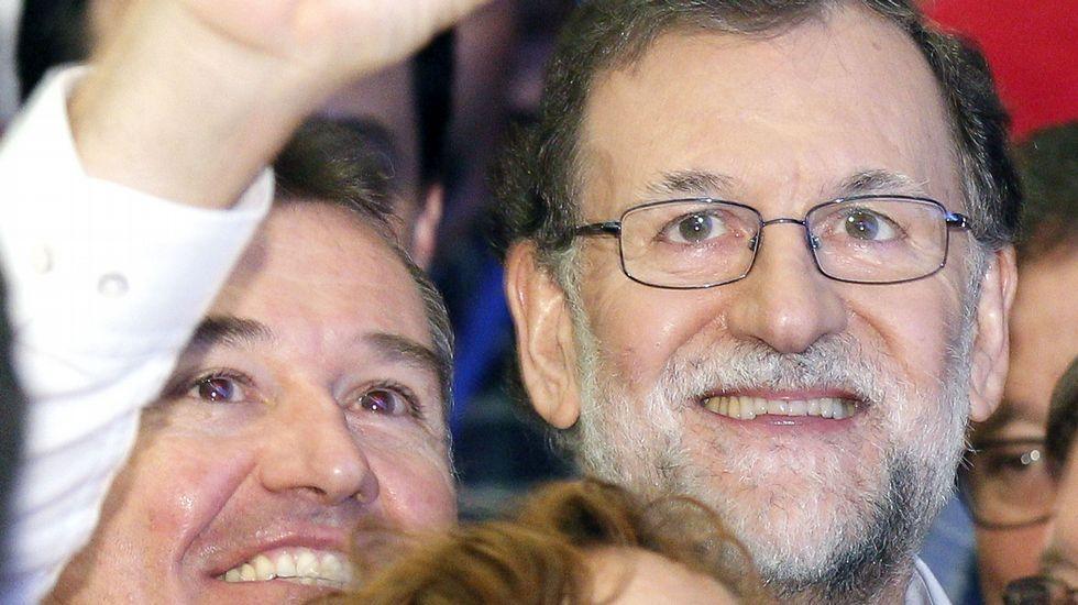 Rajoy pide «desconfiar de los adanes que se creen que hasta que llegaron ellos no había nada»