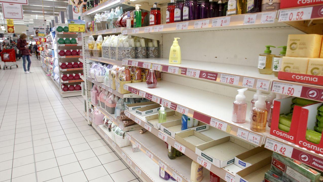 Escasez de geles antibacterianos en Ferrol.
