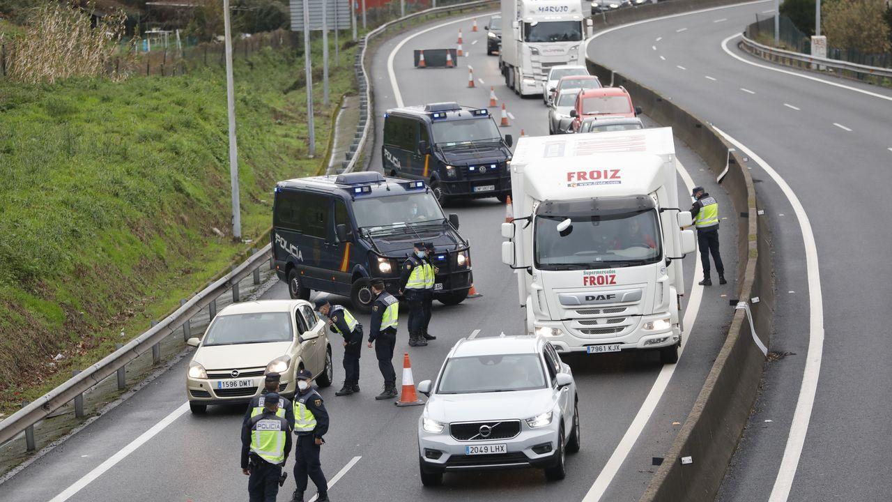 La autopista invisible de A Coruña: las carreteras que han obrado el teletrabajo.En Rosalía de Castro se ampliarán las aceras y quedará con un único carril de circulación, en dirección salida de la ciudad