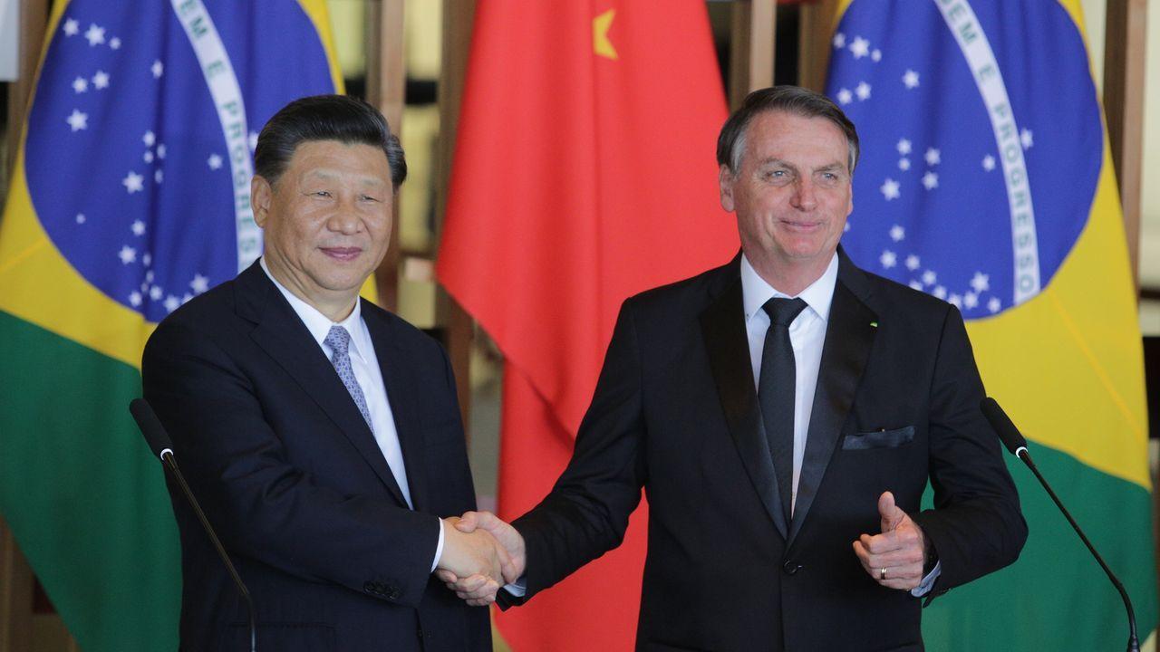 Bolsonaro recibió al presidente chino para su participación en la cumbre de los Brics, inaugurada este miércoles en Brasilia