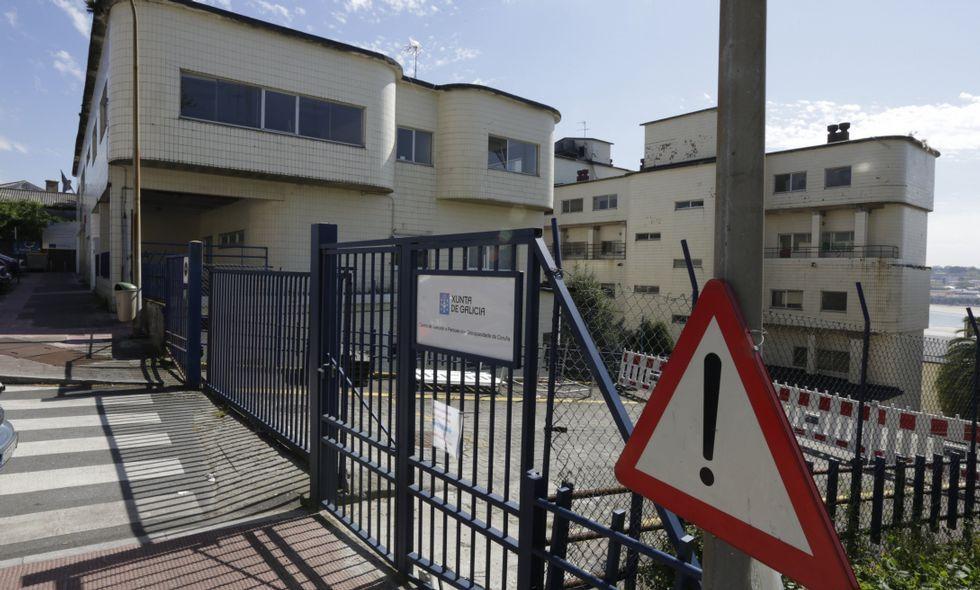Las propuestas van dirigidas a acondicionar el pabellón G del Santiago Apóstol.