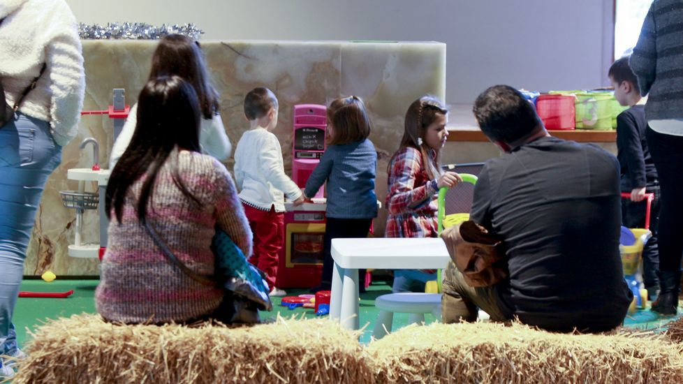 Palacio de congresos Divernadal. Espacio de juegos individuales y colectivos para niños de 2 a 12 años. Además de espacios de juego, los niños podrán participar en talleres de pintura, modelado, dibujo y arte mural; además de cursos de repostería y degustaciones de productos de Clesa y Feiraco. Abierto del 8 al 11 de diciembre, entre las 11.14 horas y de 16.30 a 20.30 horas. El precio es de 2,5 euros para los adultos, y de 5 euros para los niños. Los menores de dos años no pagarán por su acceso al espacio.