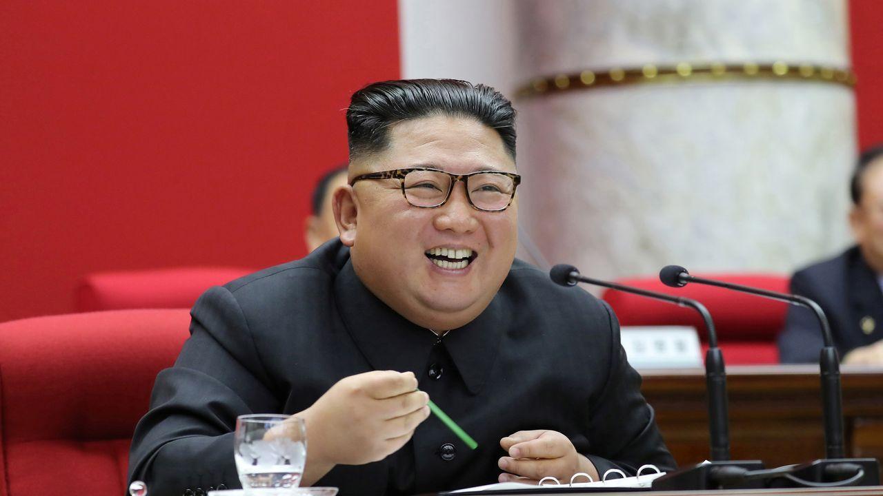 Prohibido entrar y salir de Wuhan.Kim Jong Un