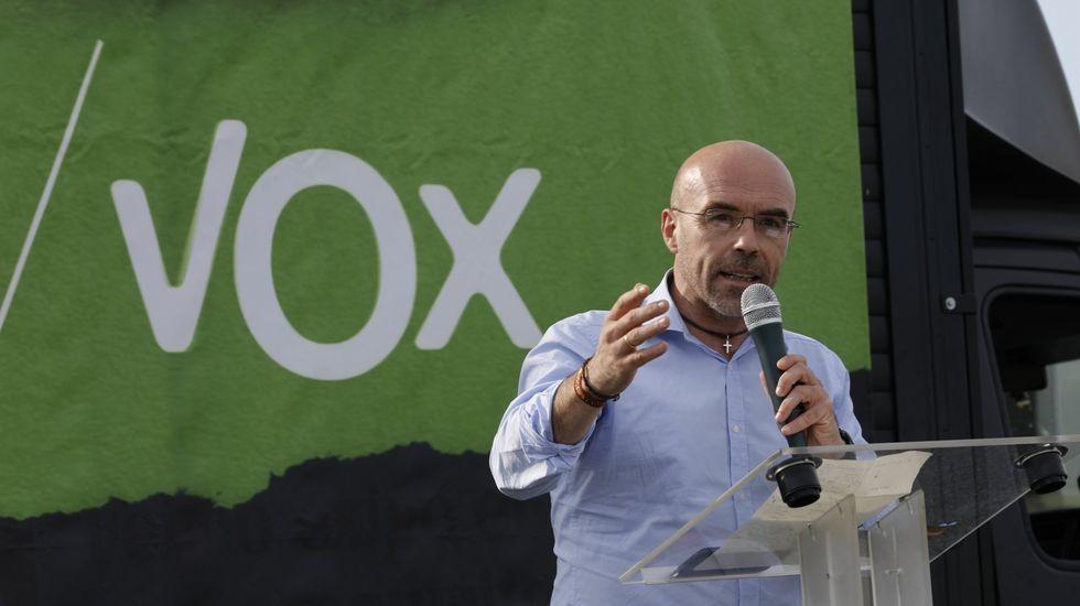 Así fue el mitin de Gonzalo Caballero en Ponteceso.Firma del convenio con la Deputación para la cofinanciación de la Unidad Asistencial de Drogodependencias