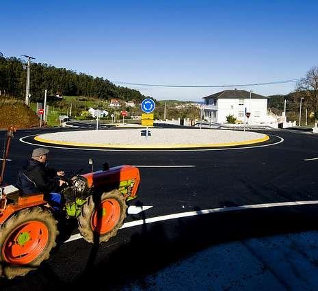 Rotonda del vial en la zona de Espasante