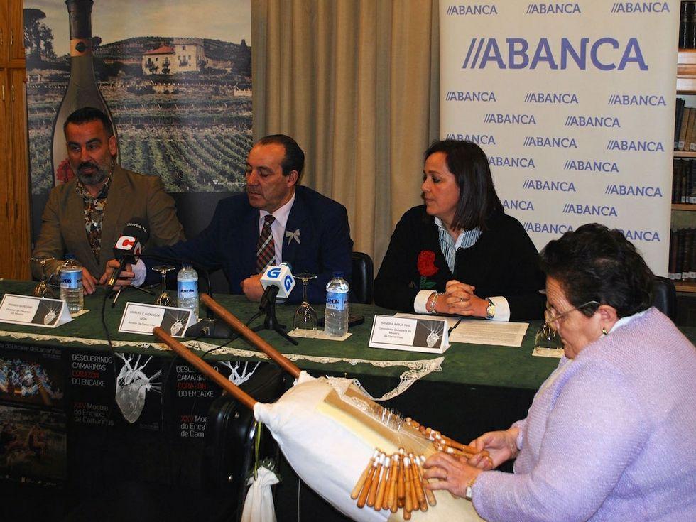Quintáns, Alonso de León e Insua presentaron la Mostra en Compostela.