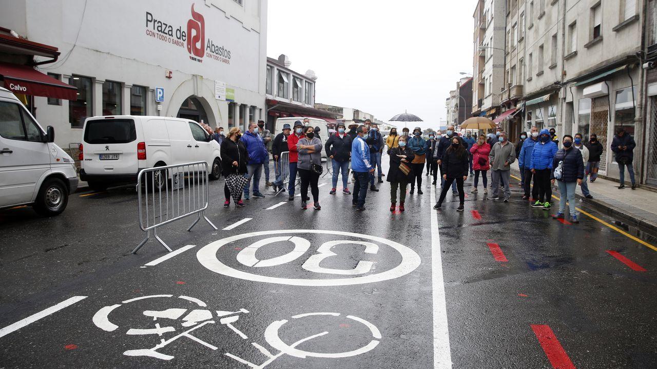 Los vendedores ambulantes protestan por el cambio de tráfico en Alexandre Bóveda
