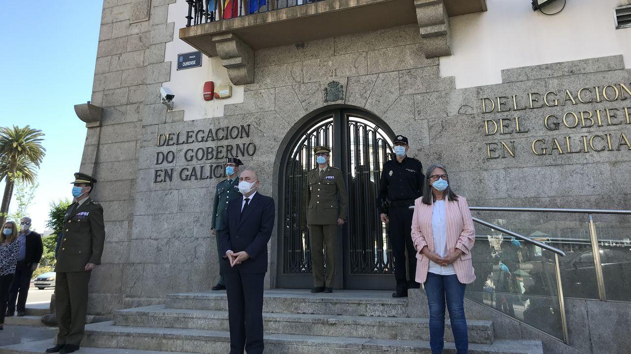 Minuto de silencio ante la Delegación del Gobierno en Galicia