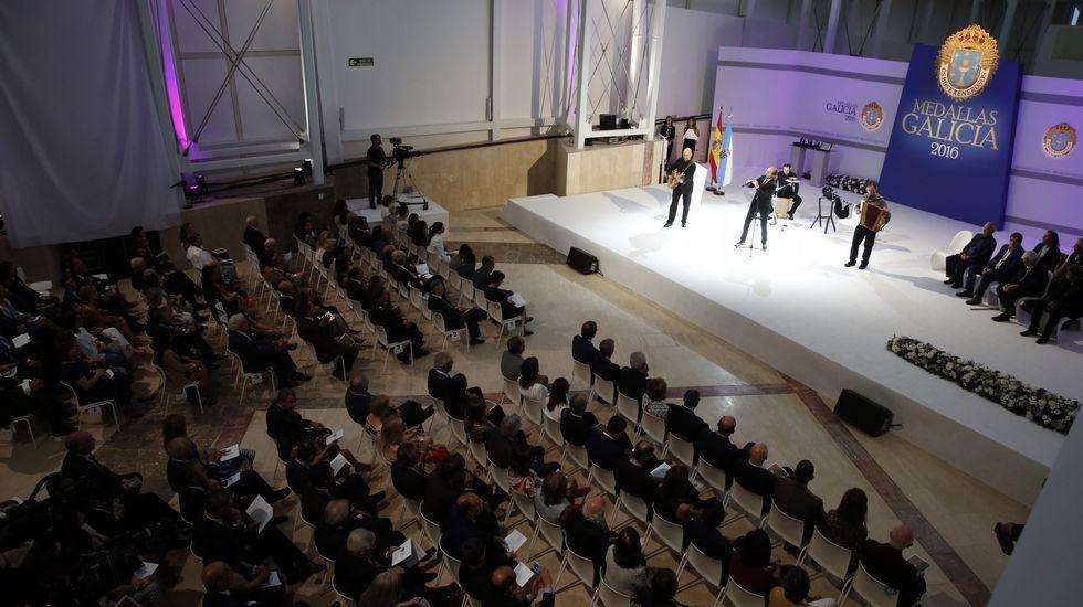 Feijoo en el acto de entrega de las Medallas de Galicia 2016
