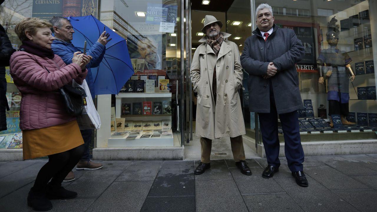 Arturo Pérez-Reverte, en A Coruña.Pérez-Reverte, este martes en la inauguración de la nueva librería Arenas