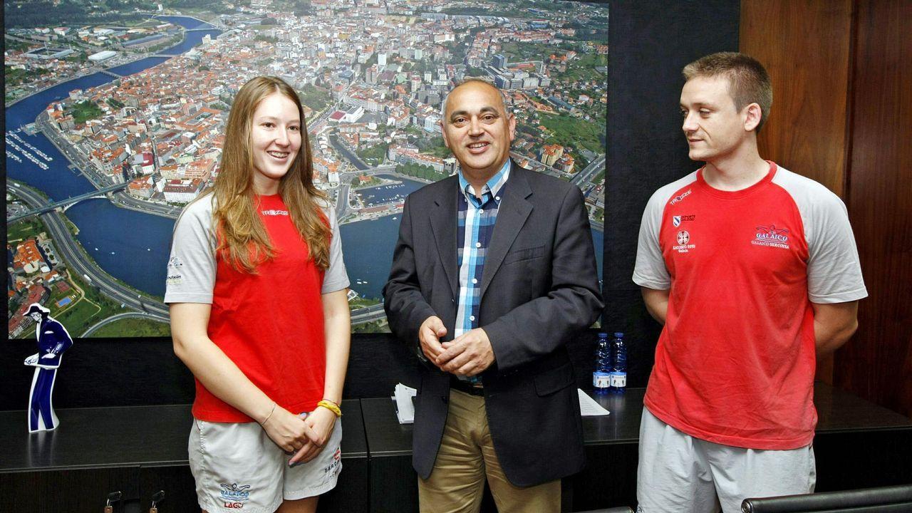Jornada de bienvenida a los nuevos alumnos en el campus de Ferrol. Presentación en Oviedo del Tour Universo Mujer