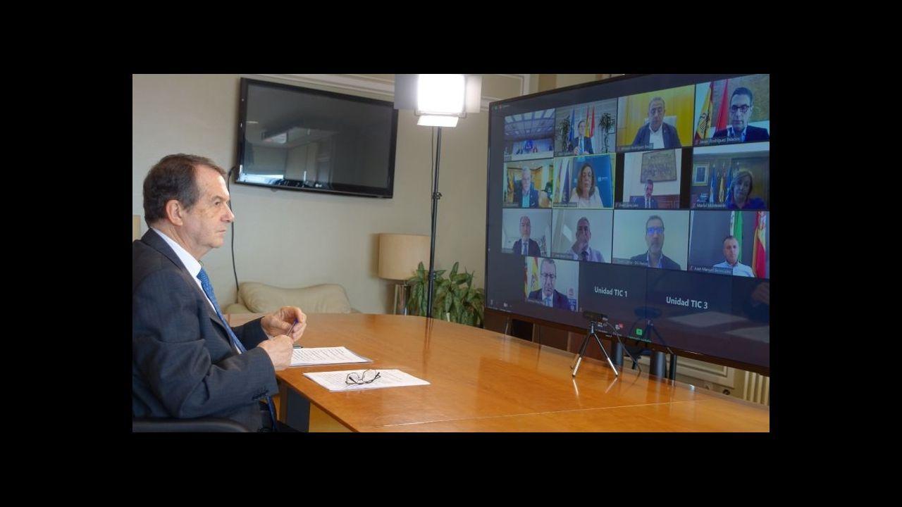 Gonzalo Caballero en el mitin ofrecido en Vigo para cerrar la campaña