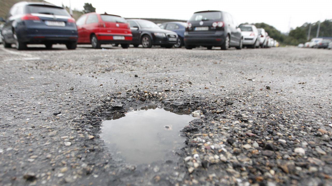 El aparcamiento municipal del Cunqueiro, deteriorado con solodos meses de uso