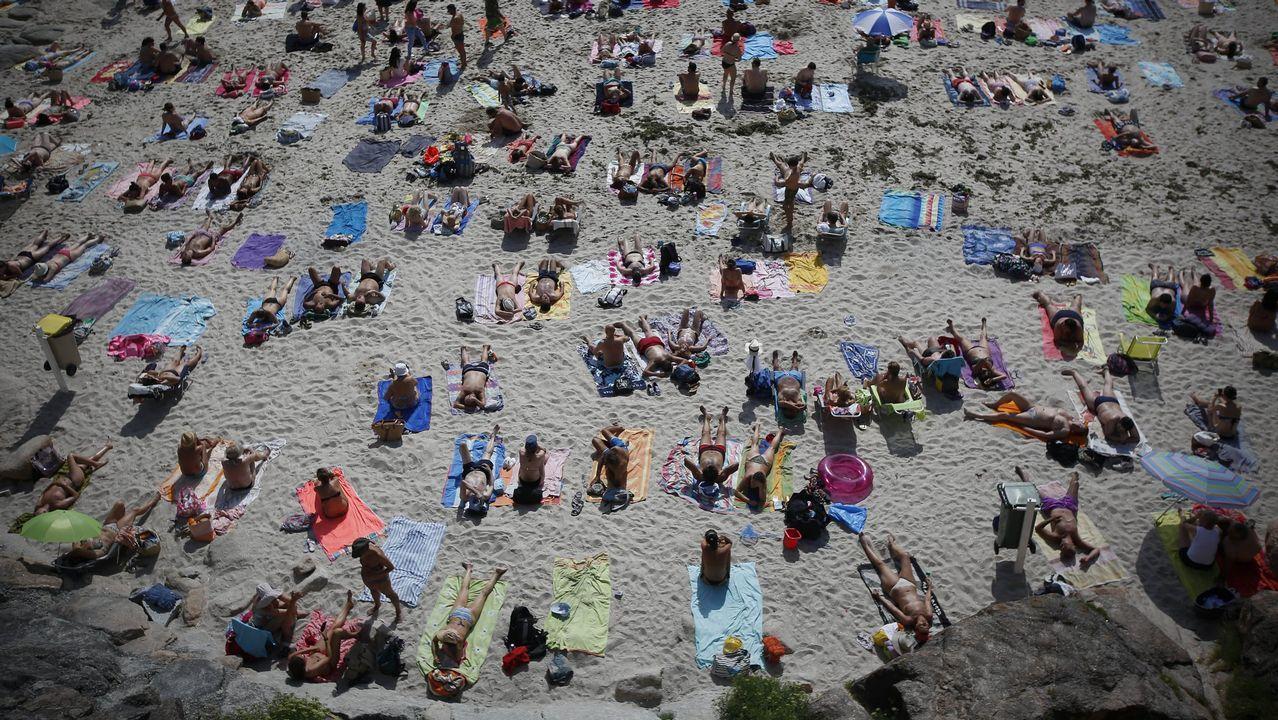 Playa del Matadero llena de bañistas