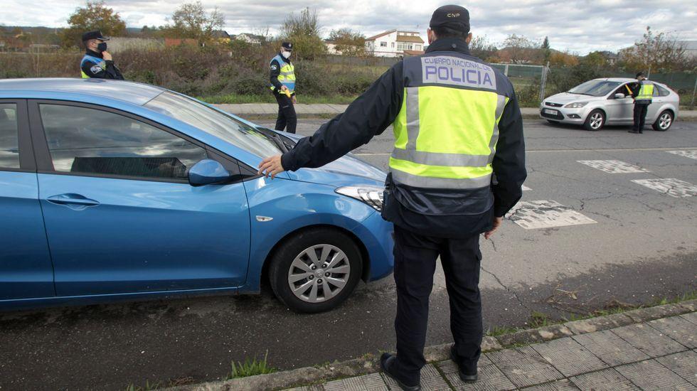 Controles en el casco urbano de Monforte a raíz de la entrada en vigor del cierre perimetral