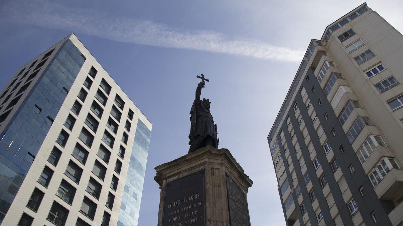 Gijon.Los años del desarrollismo cambiaron la fachada de Gijón. Los edificios ganaron altura y rompieron la armonía de la urbe