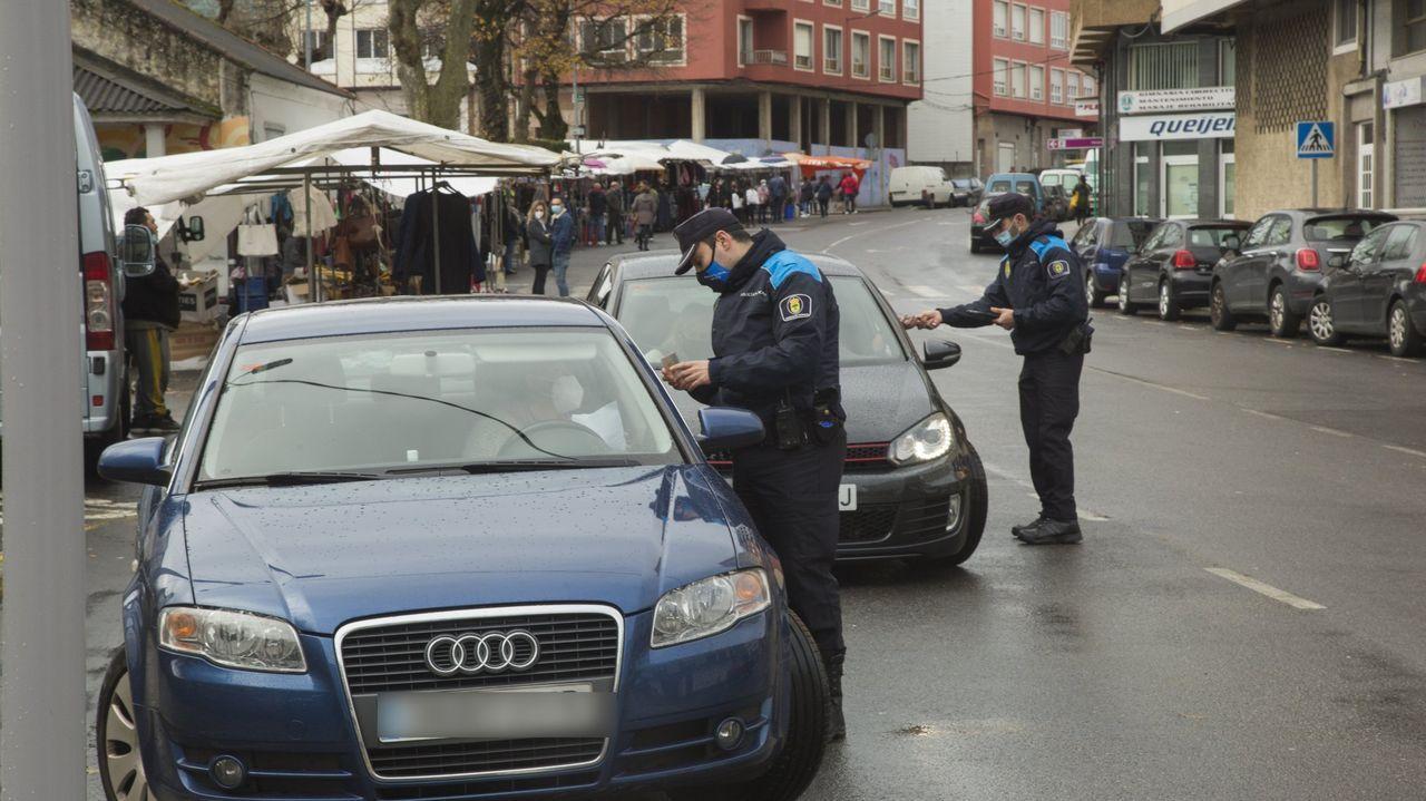 Control de la Policía Local en Carballo