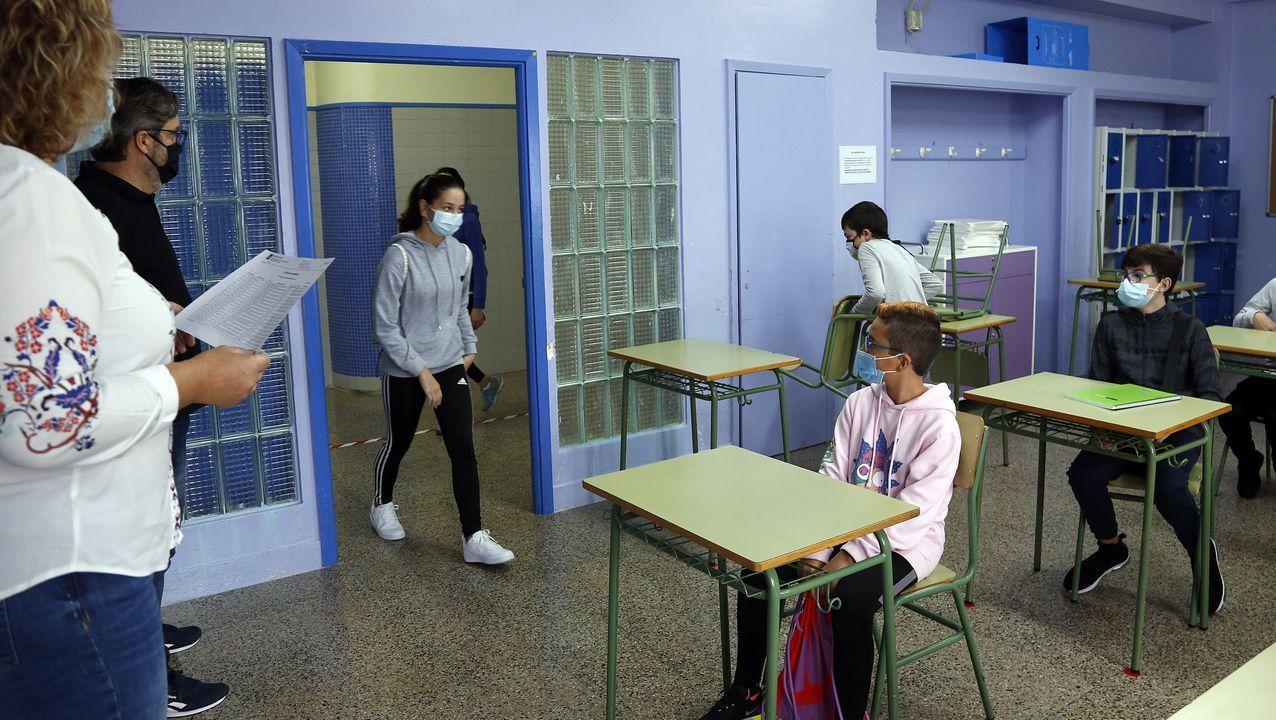 Regreso a clase en el instituto número uno en Ribeira