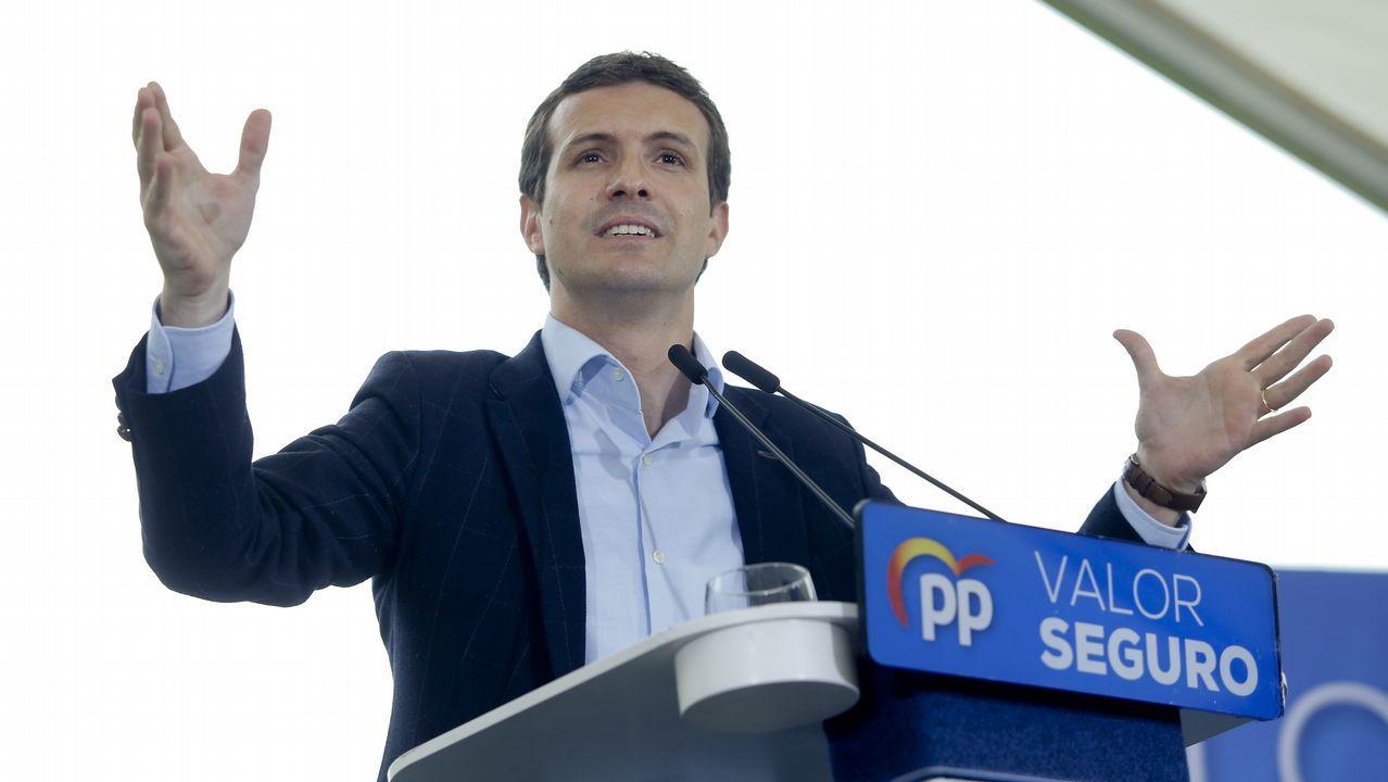 Casado renueva cúpula y le cierra a Sánchez todas las puertas.Cayetana Álvarez de Toledo y Pablo Casado, en un acto electoral en Barcelona