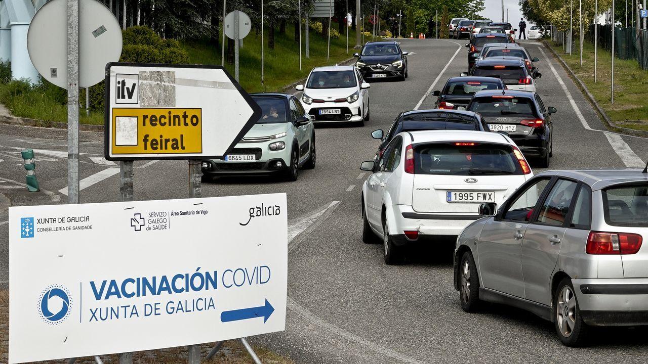 Atasco en el acceso al centro de vacunación ubicado el Ifevi de Vigo