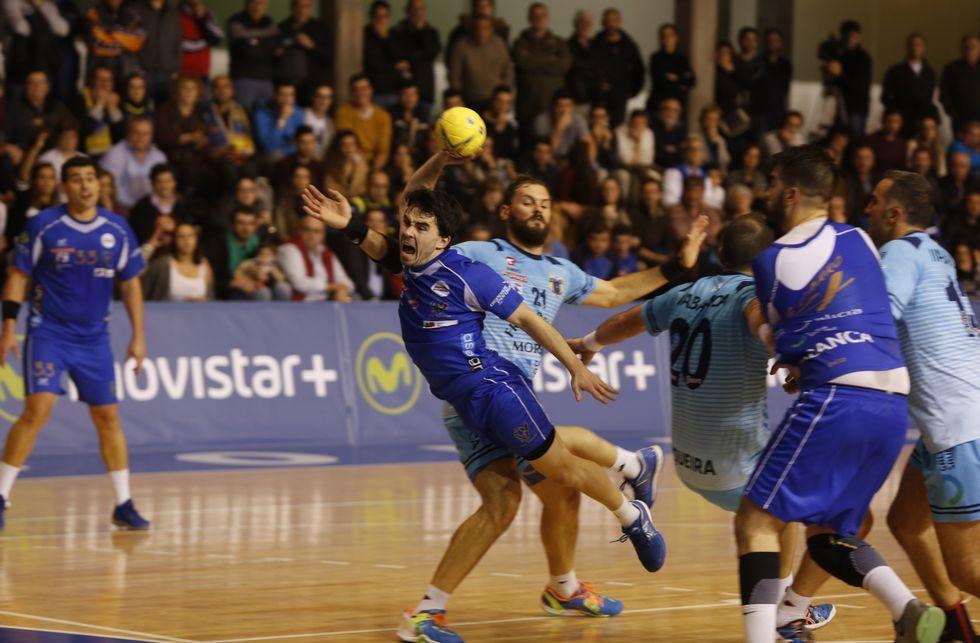 La afición jaleó cada gesto de los dos equipos durante los sesenta minutos de partido.