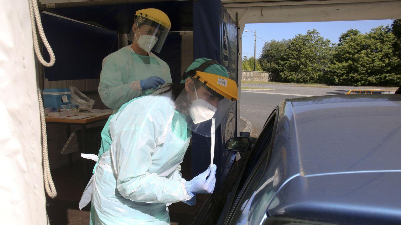 Punto de recogida de muestras para las pruebas del coronavirus en el hospital Novoa Santos de Ferrol