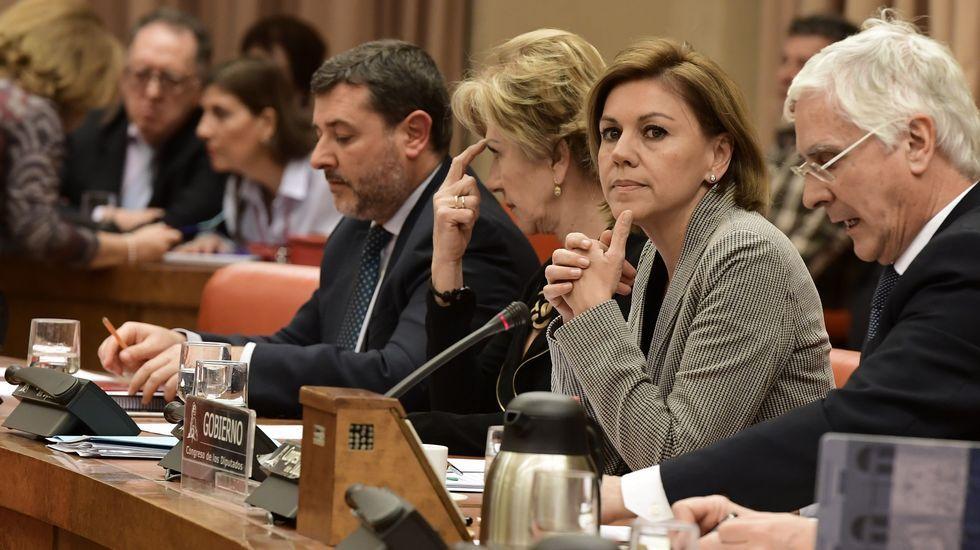 Cospedal pide perdón a los familiares del Yak-42 «en nombre del Estado».Fábrica de Armas de Oviedo