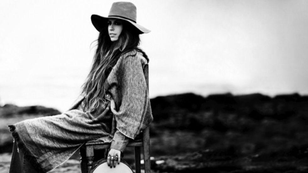 Marisa Valle Roso publica «complices», segundo single de su nuevo disco.José Sacristán en «Muñeca de porcelana»
