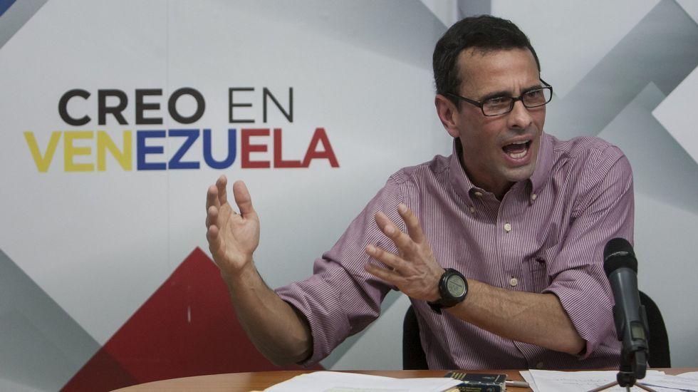 Capriles: «Quiero ser líder del país, no el líder de un sector del país».Rivera y el líder opositor venezolano, Henrique Capriles