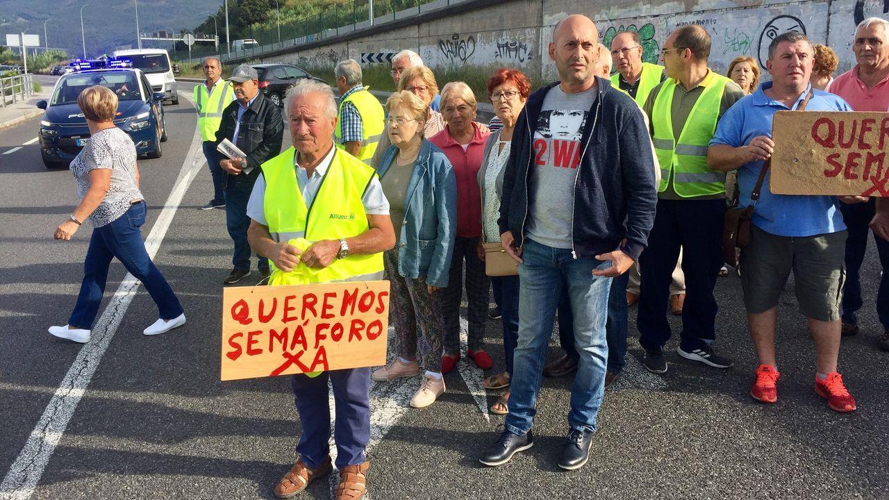 Vecinos de Chapela piden un paso de peatones en la N-552.Desde el día 1 la autopista Vigo-Baiona costará un 50 % menos