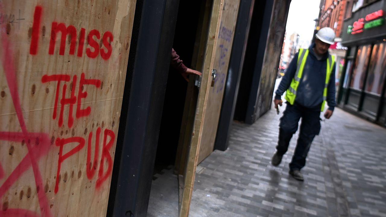 Imagen de una calle de Londres afectada por las restricciones para luchar contra el covid