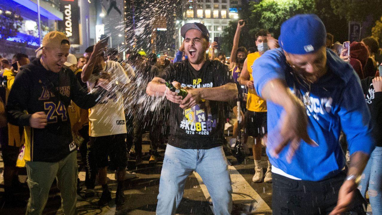 Seguidores de los Lakers se olvidan del coronavirus y celebran a lo grande su triunfo en la NBA