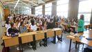 Alumnos en una clase del grado de Xestión Industrial da Moda de la Facultade de Humanidades de Ferrol