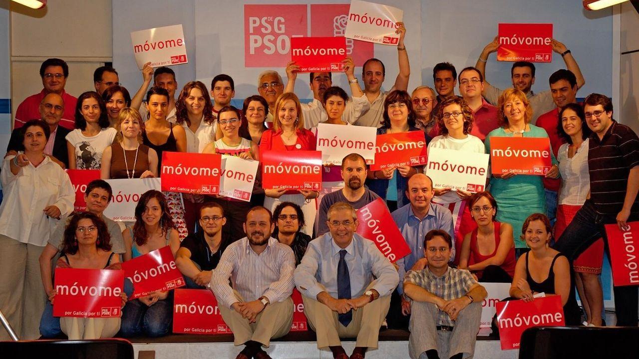 El equipo de Touriño de las elecciones del 2005, con Pedro Sánchez en la parte superior derecha de la fotografía