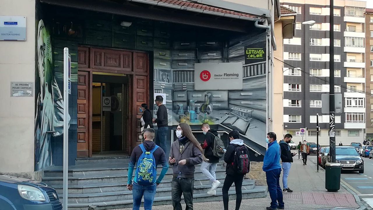 Vuelta a clase en un instituto de Oviedo