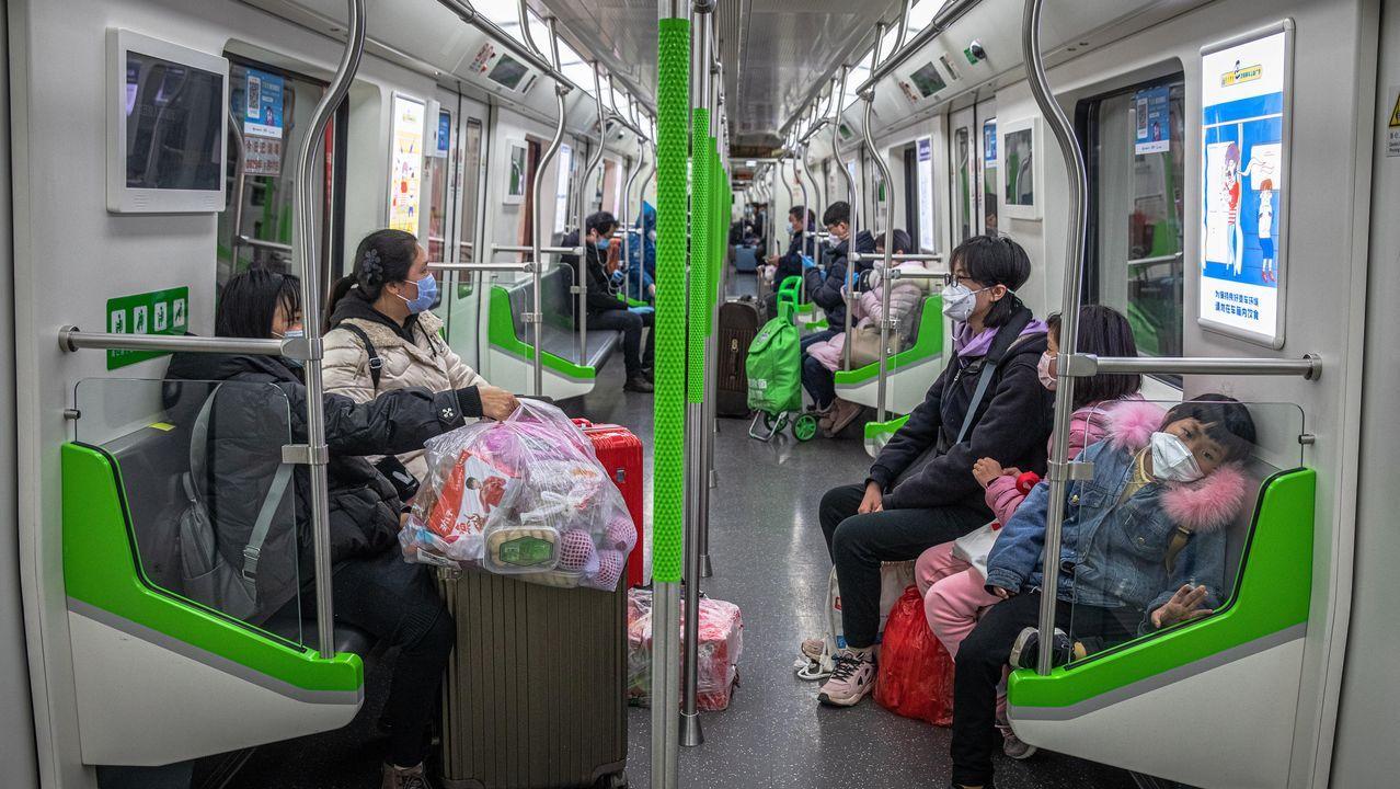 En directo: comparecencia del Gobierno sobre la crisis del coronavirus.El metro vuelve a funcionar en Wuhan. Sus pasajeros usan mascarillas para evitar contagios