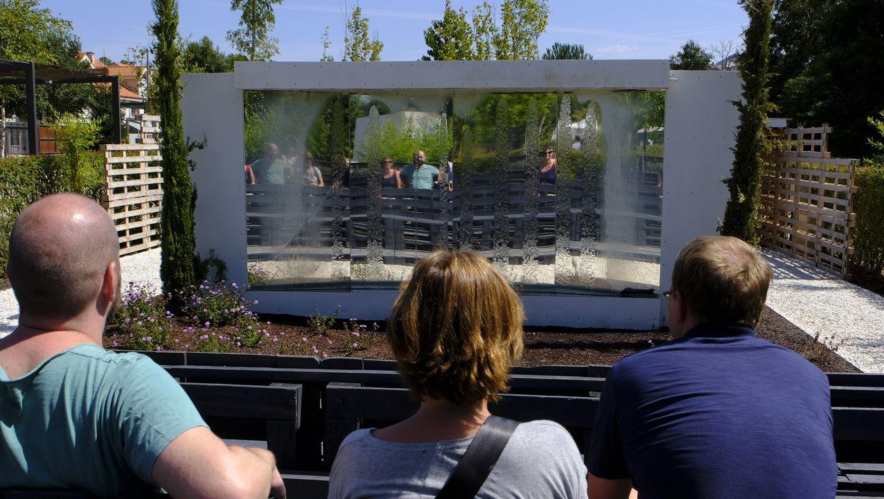 O cinema, coma sempre. El catalán Daniel Vázquez Malvesado realizó este jardín en el que quiere centrarse en los umbrales que siempre se atraviesan para disfrutar de una película yendo al cine.