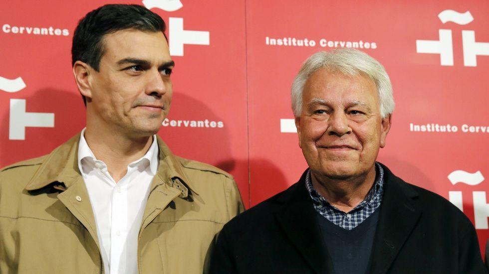 Pedro Sánchez presenta a sus ministrables.Errejón e Iglesias, en el Congreso