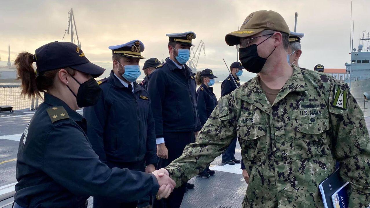 Los militares estadounidenses, a bordo de la fragata en Ferrol